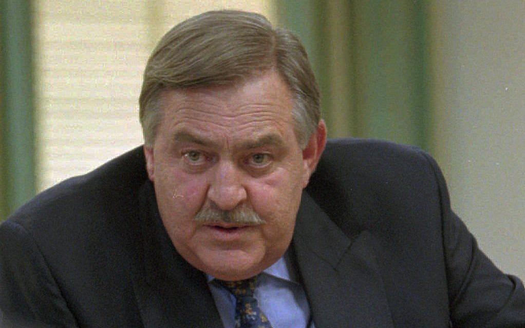 Ex Foreign Minister Pik Botha At A News Conference In Cape Town Wednesday May