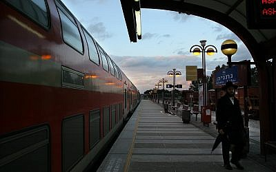 Illustrative photo of the Netanya railway station. February 19, 2008. (Chen Leopold/Flash 90)
