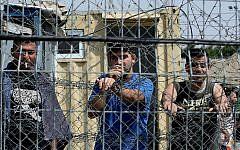 Illustrative: Palestinian security prisoners in Ofer Prison, north of Jerusalem, August 20, 2008. (Moshe Shai/Flash90/File)