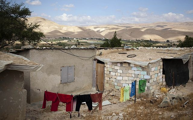 Illustrative image of a mud brick house in the Palestinian village of Jiftlik in the Jordan valley. May 23, 2010. Photo by Matanya Tausig/Flash90