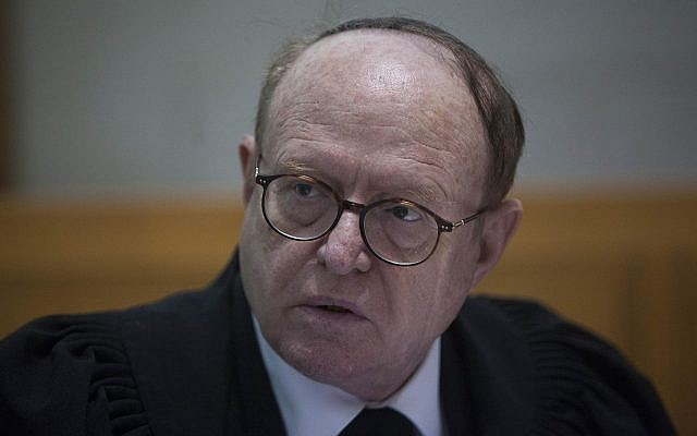Prime Minister Binyamin Netanyahu's lawyer Yaakov Weinroth seen in the Supreme Court in Jerusalem on February 24, 2014. (Yonatan Sindel/Flash90)