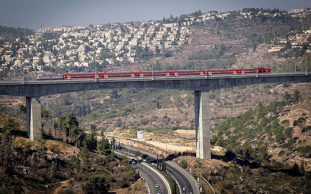 View of the new Tel Aviv-Jerusalem fast train seen over the Ha'Arazim valley just outside of Jerusalem, September 25, 2018 (Yossi Zamir/Flash90)