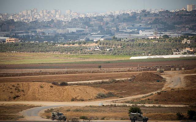 Israeli army jeeps patrol on the border with the Gaza Strip on October 17, 2018. (Yonatan Sindel/Flash90)
