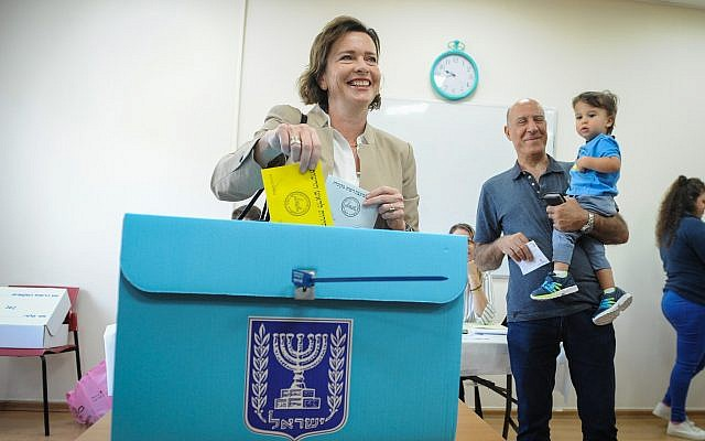 Haifa leváltotta , Tel-Aviv újraválasztotta polgármesterét, Jeruzsálemben újabb forduló dönt