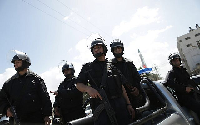 Illustrative: Hamas security forces in Gaza City, April 4, 2013. (Wissam Nassar/Flash90)