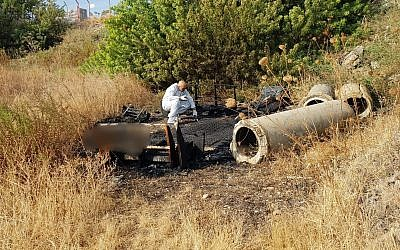 Police at the scene of a bush fire in Tiberias where a body was found, October 8, 2018. (Israel Police)