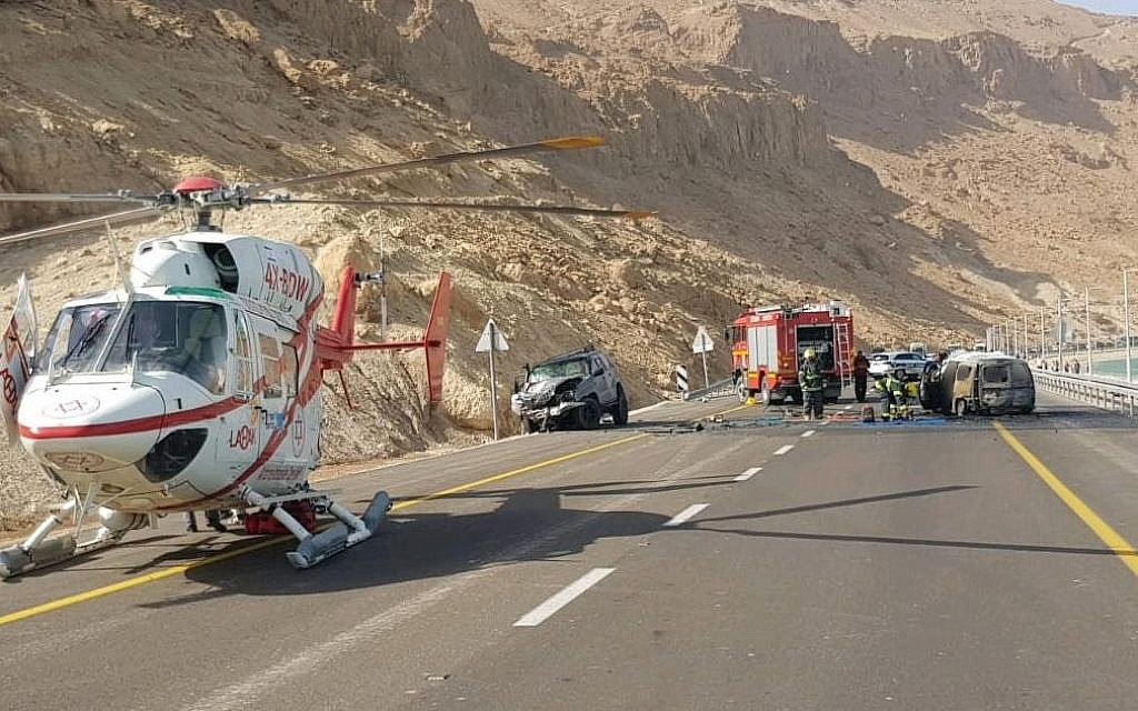 The scene of a fatal car crash on Route 90, near the Dead Sea on October 30, 2018. (Magen David Adom)