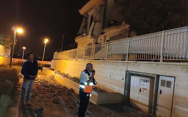 The results of a rocket strike on a home in the southern Israeli city of Beersheba on October 17, 2018. (Magen David Adom)