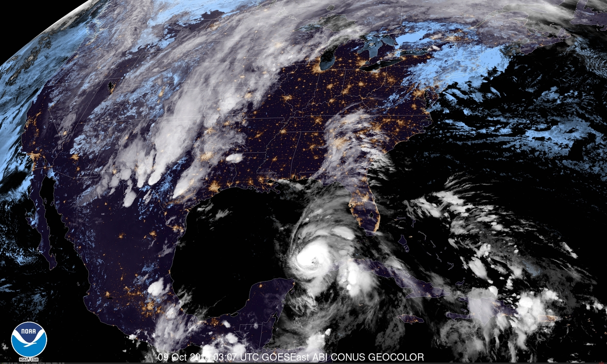 Thousands flee Florida 'monster' hurricane