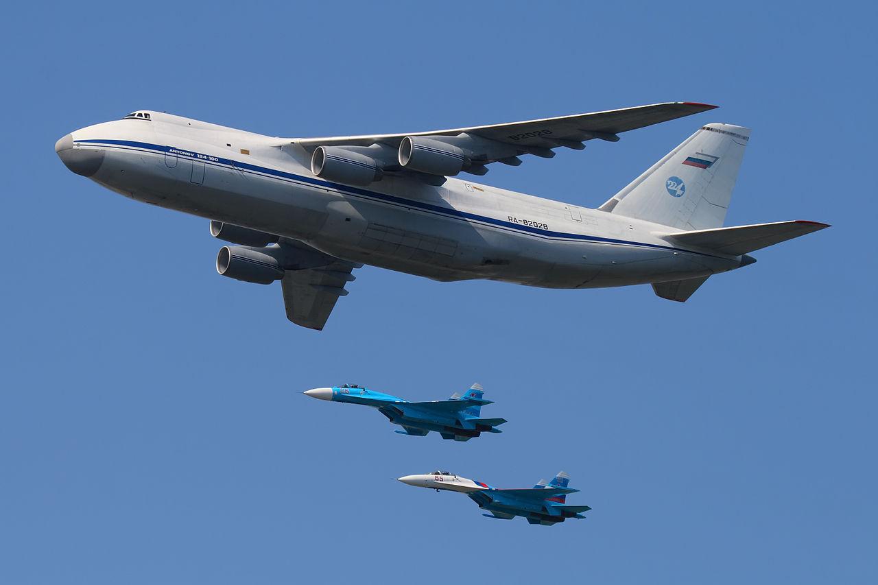 Yuri Antonov is carrying a weapon 08.11.2011 57