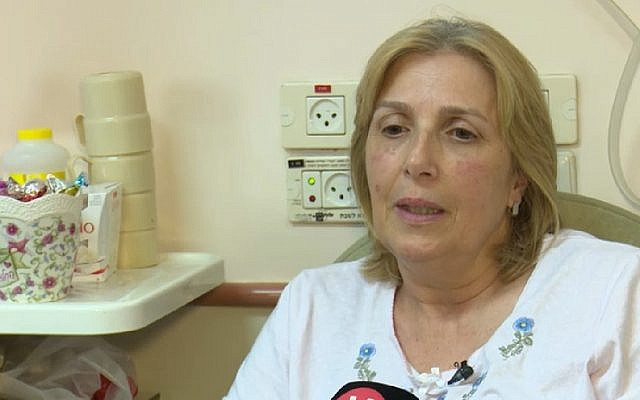 Sara Vaturi, who was shot but survived the deadly Barkan terror attack, speaks to reporters on October 8, 2018. (Screen capture: Hadashot news)