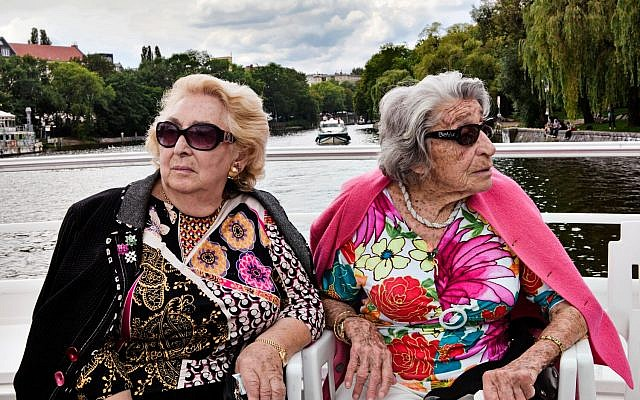 """Sisters Oma and Bella of 'Oma and Bella,"""" about two widowed Berlin sisters (Courtesy Jerusalem Cinematheque)"""