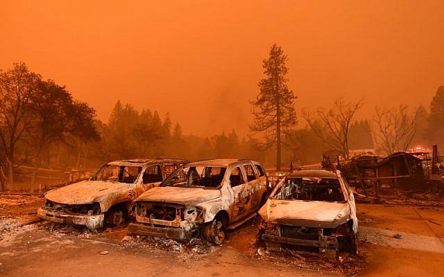 Abandoned vehicles sit at a car lot in Paradise, north of Sacramento, California on November 09, 2018 (Josh Edelson / AFP)