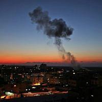 Smoke billows following Israeli air strikes targeting Rafah in the southern Gaza Strip, near the border with Egypt, on November 12, 2018. (SAID KHATIB / AFP)