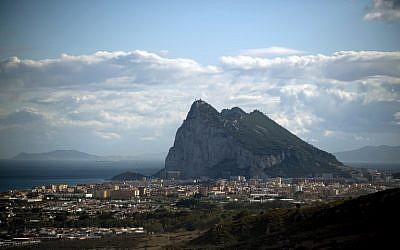 Gibraltar Rock from La Linea de la Concepcion near the southern Spanish city of Cadiz on October 16, 2018 (JORGE GUERRERO / AFP)
