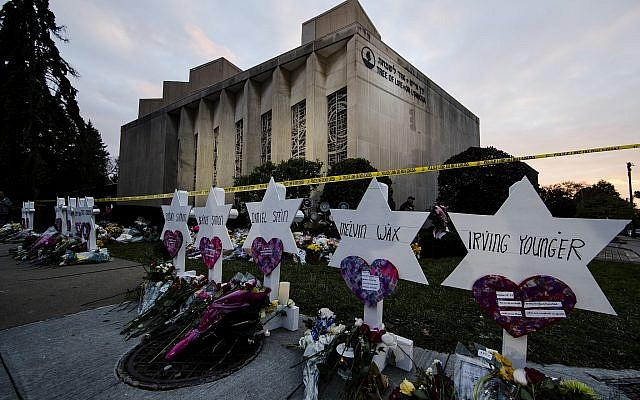 A makeshift memorial stands outside the Tree of Life synagogue in the aftermath of a deadly shooting in Pittsburgh, on October 29, 2018 in which eleven Jews were killed while at Shabbat services. (AP/Matt Rourke)