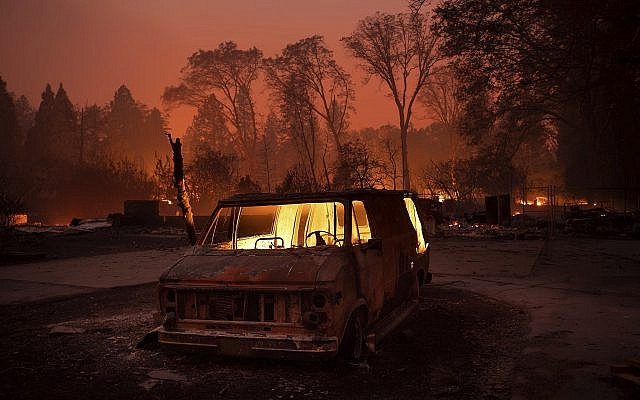 California Wildfires: Malibu Evacuated As Three Fires Destroy More Than 30,000 Acres