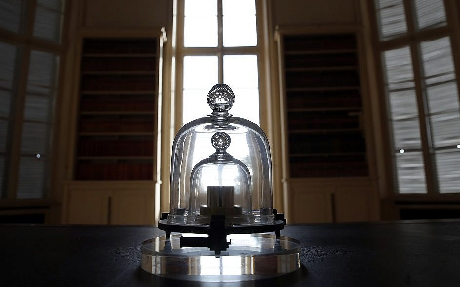Grand k world s kilogram measure being retired the times of israel