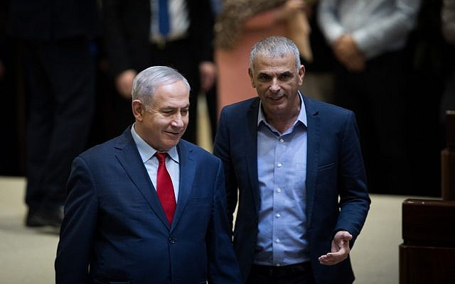 Prime Minister Benjamin Netanyahu (left) and Finance Minister Moshe Kahlon in the Knesset on March 13, 2018. (Hadas Parush/Flash90)