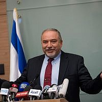 Defense Minister Avigdor Liberman announces his resignation from the ministry position following the ceasefire with Hamas in the Gaza Strip, during a press conference in the Knesset on November 14, 2018. (Yonatan Sindel/FLASH90)