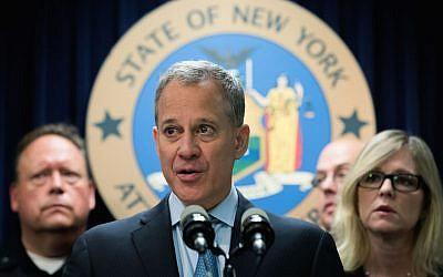 File: New York Attorney General Eric Schneiderman speaks at a news conference regarding a major drug bust, September 23, 2016. (Drew Angerer/Getty Images/via JTA)