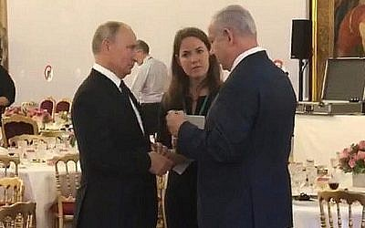 Russian President Vladimir Putin meets with Prime Minister Benjamin Netanyahu in Paris on November 11, 2011 (courtesy)