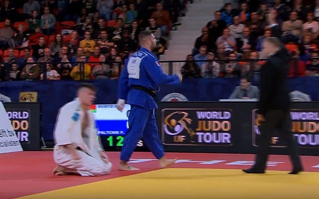 Screen capture from video of Israeli judoka Peter Paltchik winning the under 100 kilogram contest at the Hague Grand Prix in  the Netherlands, November 18, 2018. (YouTube)