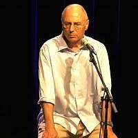 Screen capture from video of veteran Israeli director and playwright Miki Gurevich. (YouTube)