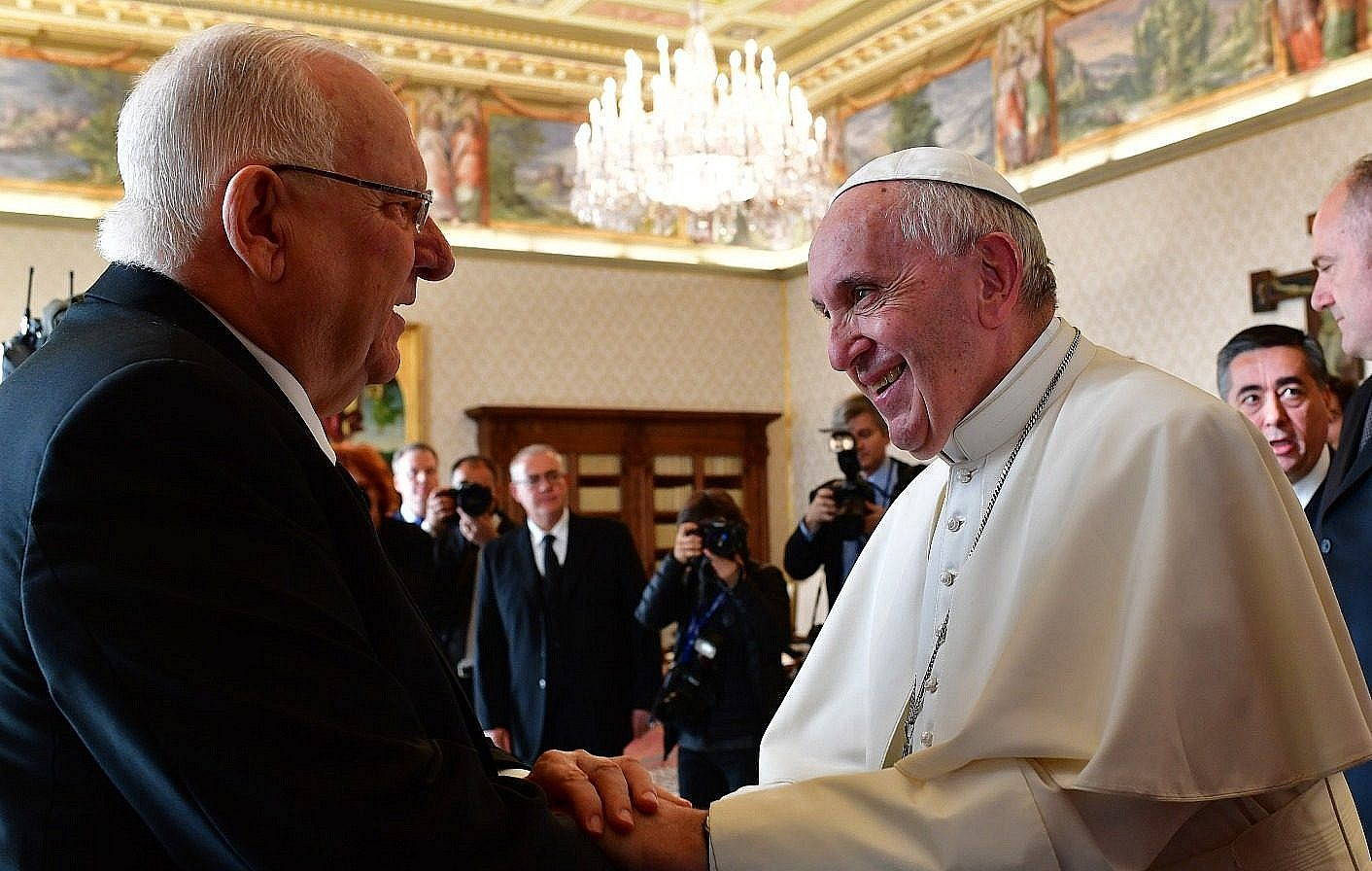 President Reuven Rivlin left and Pope Francis meet at the Vatican