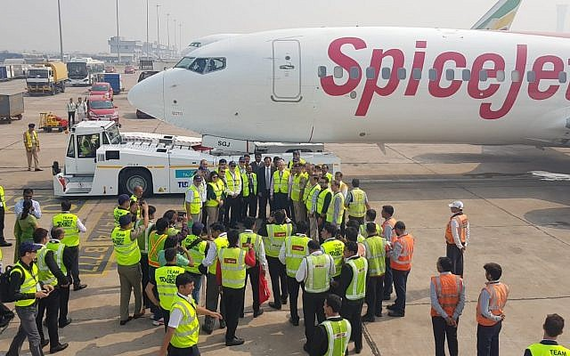 SpiceJet inaugurates first flight using Israel Aerospace Industries' (IAI) TaxiBot, shown attached to the craft, on Oct 29, 2018 (Courtesy)
