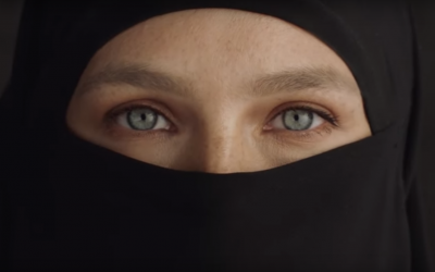 Bar Refaeli wearing the niqab in a clothing ad launched on October 30, 2018. (Screenshot: YouTube)