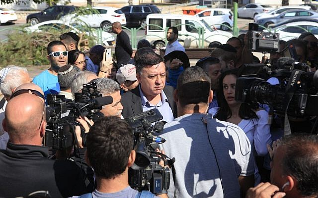 Zionist Union chairman Avi Gabbay in Ashkelon, November 12, 2018. (Ra'anan Cohen)