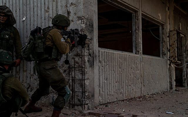 Soldiers from the Kfir Infantry Brigade simulate war against the Hamas terror group in the Gaza Strip, in November 2018. (Israel Defense Forces)