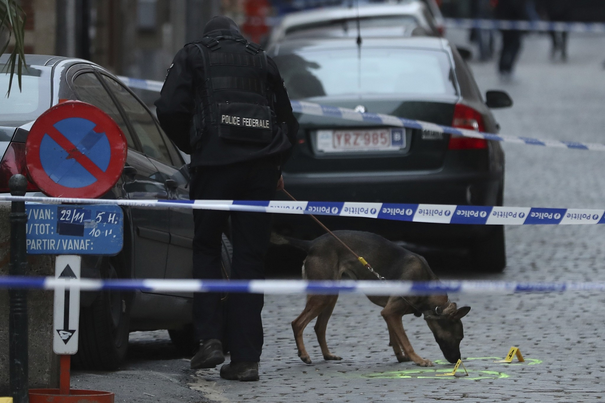 Police officer injured in Brussels knife attack
