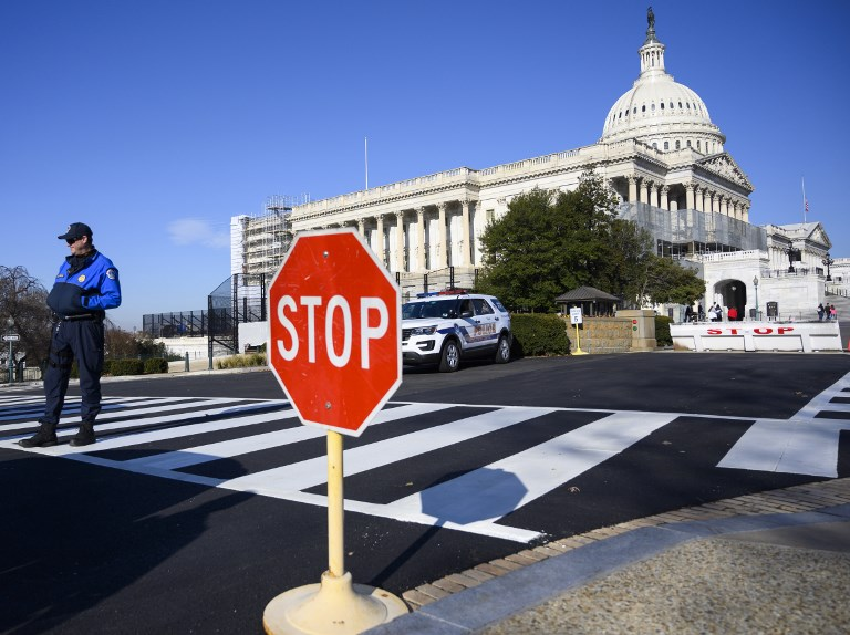 United States government shutdown to extend into next week after Senate adjourns