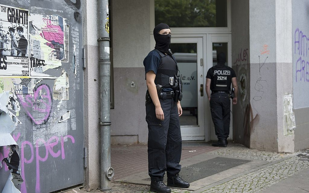 Germany arrests Syrian man in Berlin for allegedly planning attack