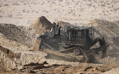File: An IDF Caterpillar D9, operated by the Israel Defense Forces (IDF) Combat Engineering Corps, in 2013 (Ofer Zidon/FLASH90)
