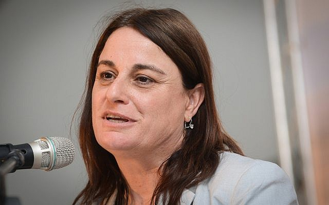 Rona Ramon, widow of Israeli astronaut Ilan Ramon, speaks at the ground breaking ceremony for the Ilan and Asaf Ramon International Airport in southern Israel on May 9, 2013. (Flash90)