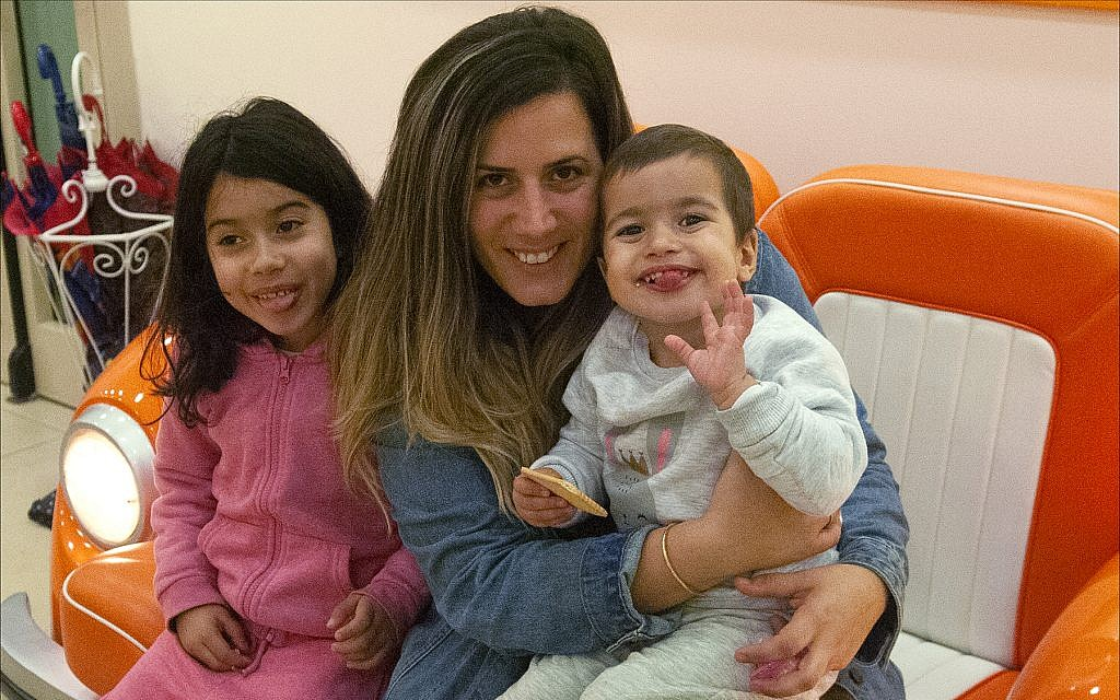 Cheli Saban visits children at the Daycare of Dreams kindergarten in Ramat Gan. (Courtesy Larger Than Life)