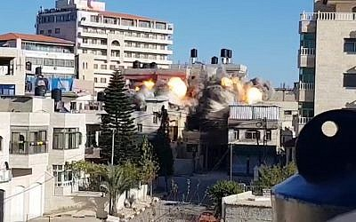 IDF demolishes the home of a Palestinian accused of killing an Israeli soldier, Ramallah, December 15, 2018 (IDF Spokesperson's Unit)