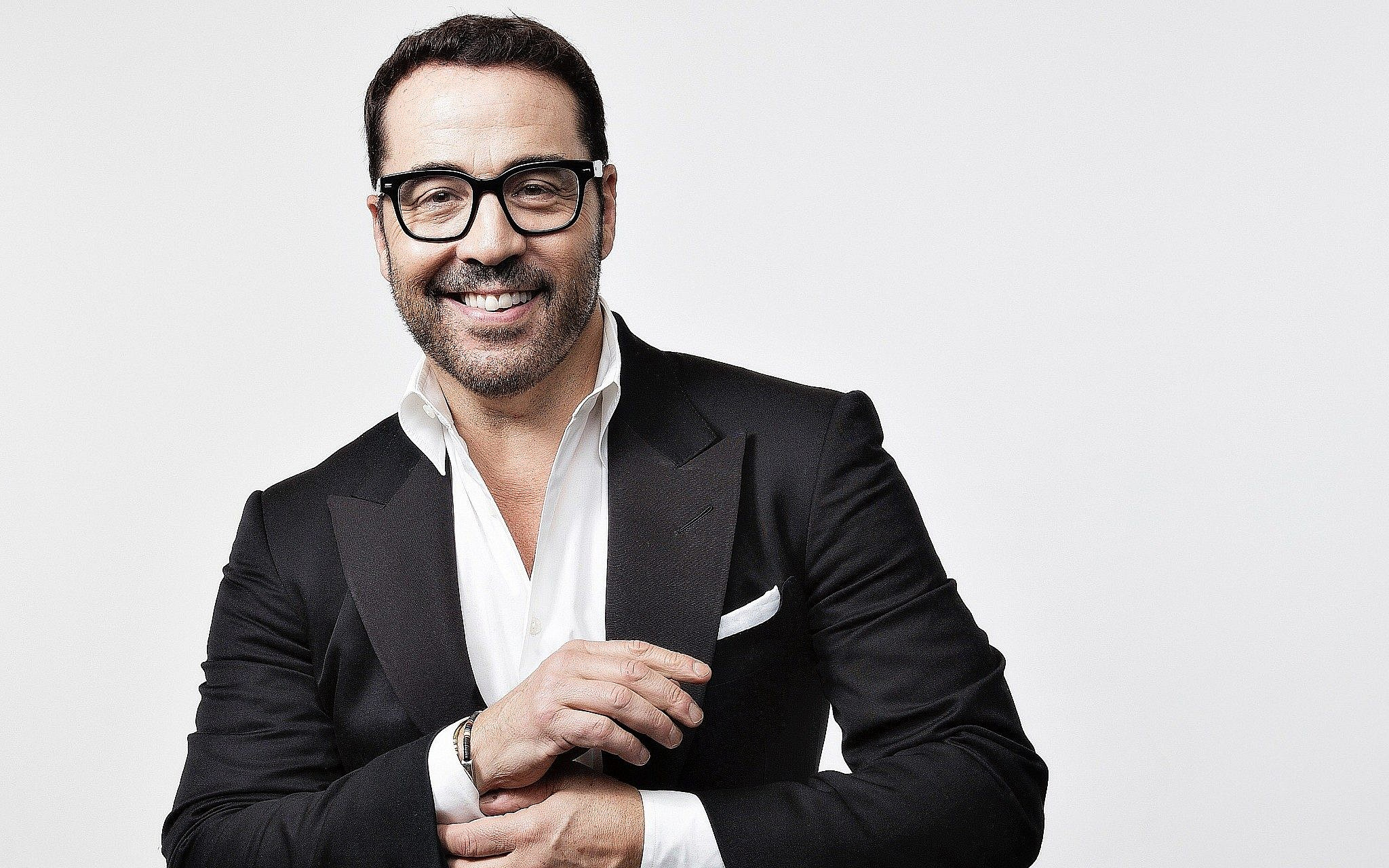 f5de1952cf585 Emmy Award-winning actor Jeremy Piven tries stand-up