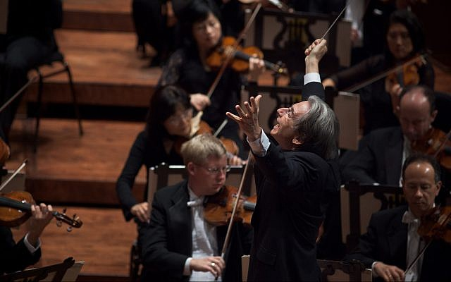 Michael Tilson Thomas conducts the San Francisco Symphony performing Mahler's Symphony No. 5 on September 3, 2010 in Davies Symphony Hall. (Bill Swerbenski/ courtesy SFS)