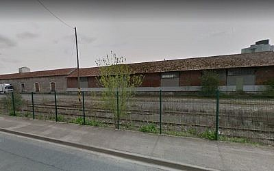 An abandoned station in Pithiviers, France. (screen capture: Google Street View)