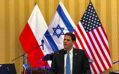 Israeli Ambassador to the US Ron Dermer addresses a Hanukkah reception at the Washington D.C. residence of Poland's Ambassador the US Piotr Wilczek, December 3, 2018 (screen shoot: facebook.com/ambdermer)