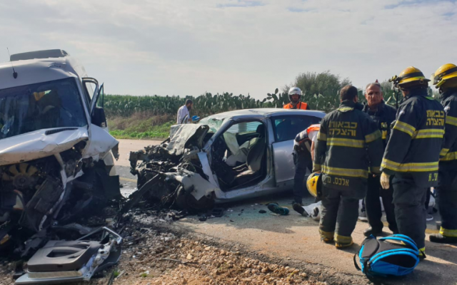 The scene of a fatal accident on Route 232, near the southern city of Sderot on December 21, 2018. (Fire and Rescue Services)