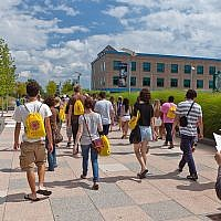 Illustrative: Students on orientation at Purchase College, NY, in 2013 (CC BY-SA Kelly Campbell/Wikimedia Commons)