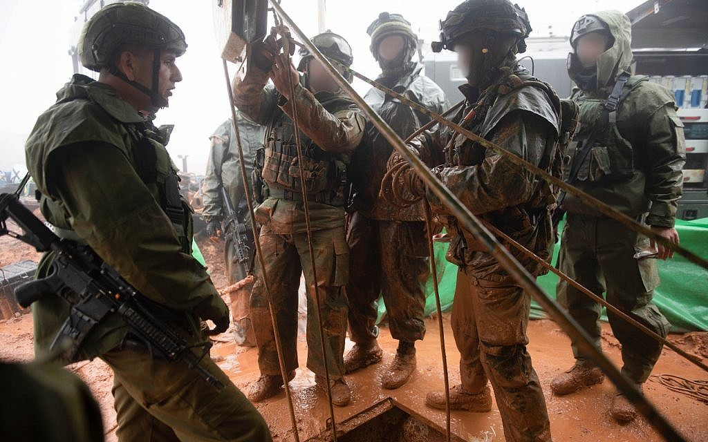Israeli troops search for a Hezbollah border-crossing attack tunnel from southern Lebanon, along the northern border, on December 8, 2018. (Israel Defense Forces)