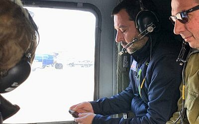 Italian Deputy Prime Minister Matteo Salvini rides in an Israeli military helicopter after landing in the country, December 11, 2018 (Twitter)