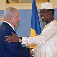 Chadian President Idriss Deby Itno (R) shakes hands with Prime Minister Benjamin Netanyahu during a meeting at the presidential palace in N'Djamena on January 20, 2019.(Photo by BRAHIM ADJI / AFP)