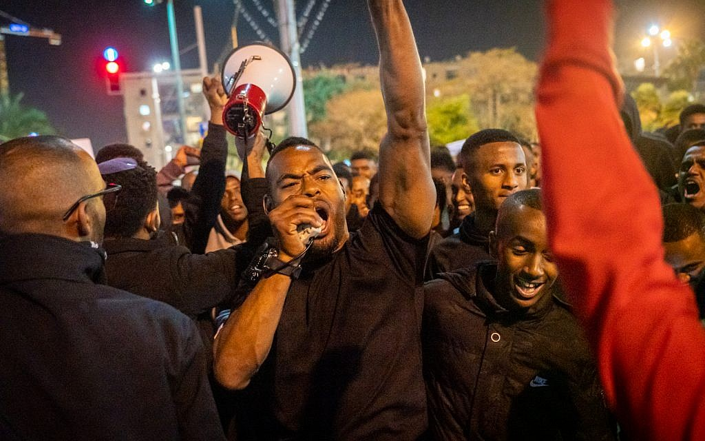 Ethiopian-Israeli protesters at Rabin Square in Tel Aviv, January 30, 2019. (Luke Tress/Times of Israel)